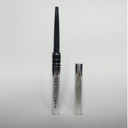 MARC JACOBS BEAUTY Fineliner Ultra-Skinny Gel Eye Crayon Eyeliner Blackquer 0,04gr